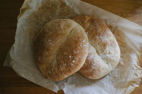 Handmade White Bread - for the weekend an easy handmade bread cloistered away