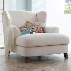 Impressionnant Fauteuil Salle A Manger #8: Fauteuil-blanc-un-grand-fauteuil-confortable-blanc.jpg