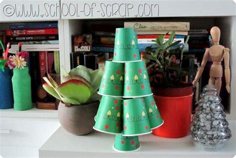 riciclare bicchieri di plastica riciclo creativo albero di natale fai da te di bicchieri