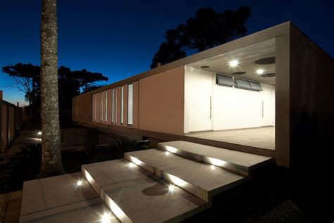 Modern Home Lighting | modern bungalow in bento gon 231 alves brazil