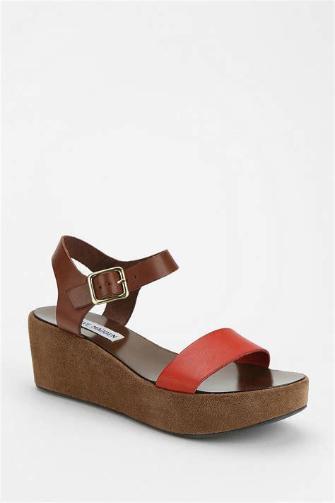 steve madden platform sandals outfitters steve madden alisse platform wedge sandal