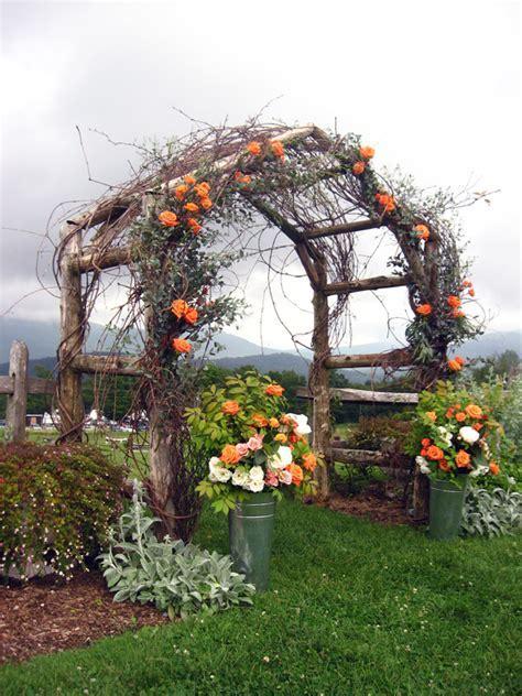 Country Garden Wedding Arbors   Rustic Wedding Chic