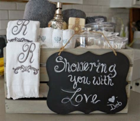 bathroom gift ideas 25 best ideas about bridal shower presents on pinterest