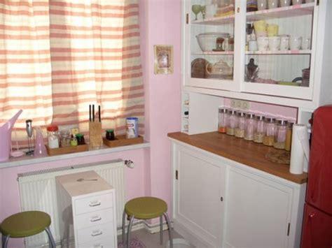 pinke küche wohnzimmer tapete