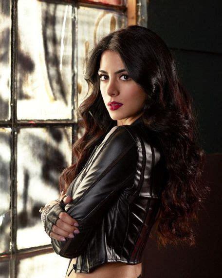 izzy televisin isabelle lightwood will write for boots