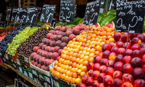 fruits u should buy organic 12 fruits and vegetables you should always buy organic