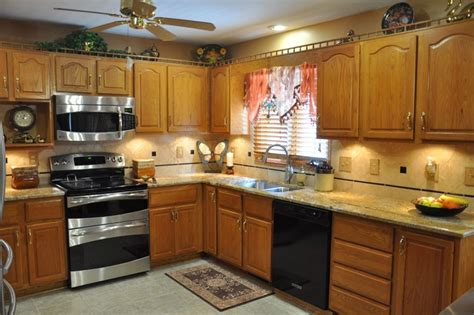 geriba granite countertop and durango tile backsplash idea