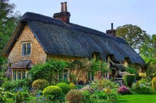 beautiful countryside fairytale cottages with