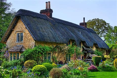 english cottage beautiful english countryside fairytale cottages with english country gardens