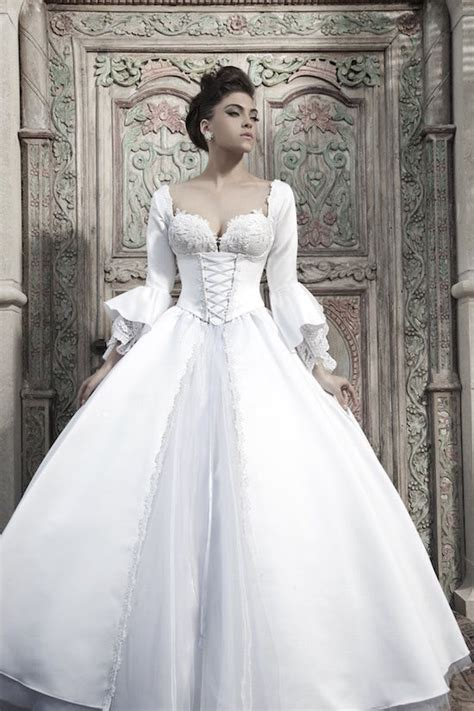 imagenes de vestidos de novia rojo con blanco la tradici 243 n del vestido de novia blanco a favor o en contra