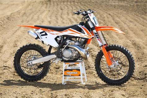 250 2 Stroke Ktm Ride 2017 Ktm 250 Sx Two Stroke Cycle News