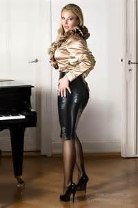 Comtesse monique glamour model comtesse monique teach you in her