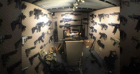 dan bilzerian house someone broke into dan bilzerian s house and went straight for the guns