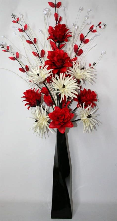 Artificial Flowers Vase by 25 Best Ideas About Black Vase On Southern