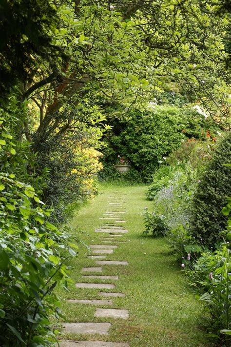 garden stepping stones ideas landscape contemporary with