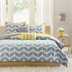 Yellow and gray chevron forter set
