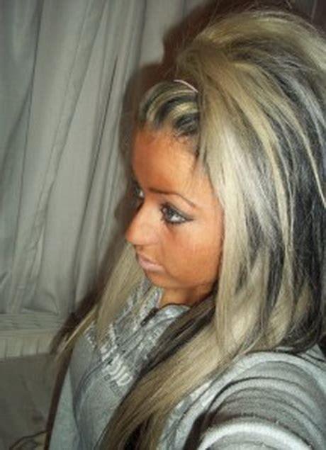 blonde haare mit schwarzen straehnen