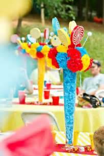 circus centerpieces ideas 1000 ideas about carnival centerpieces on