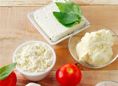 alimenti contro la gotta aiuto contro la gotta i formaggi freschi assolatte