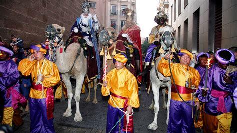 los reyes magos9788424637163 cabalgata reyes magos en roquetas de mar weeky