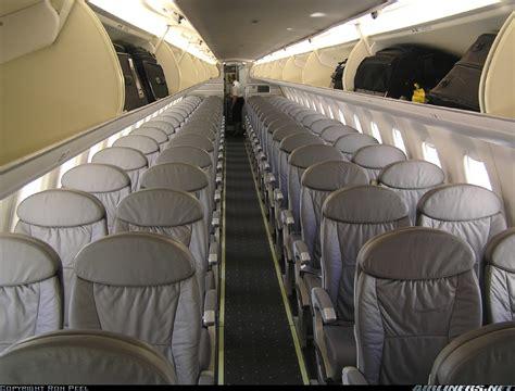 100 united airline luggage size new york socialite embraer 170su erj 170 100su us airways express