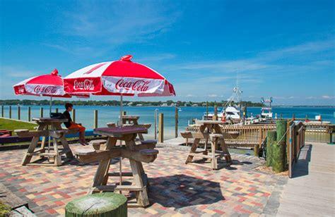 dinner on a boat destin fl top destin restaurants with boat docks destin vacation