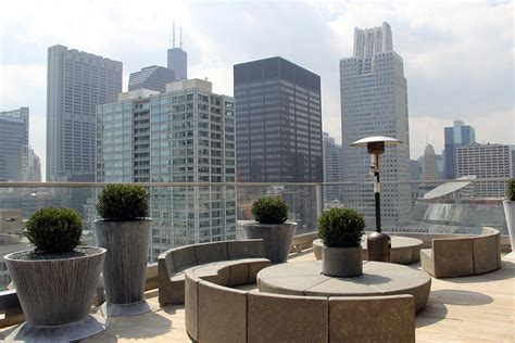 roof top bars in chicago experiencing virgin s first ever hotel in chicago cool