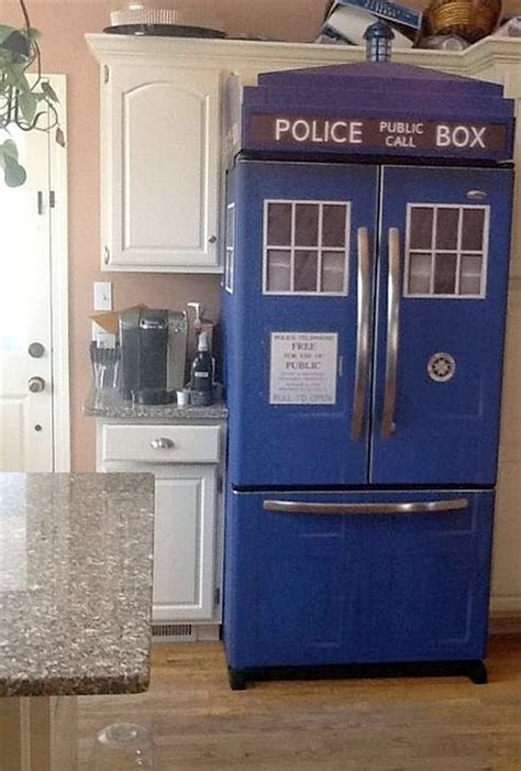 Dr Who Kitchen by Designers Create Doctor Who Inspired Tardis Refrigerator