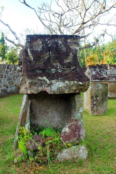 Situs Aborsi Sulawesi Melihat Situs Waruga Di Minahasa Utara Indonesiakaya Com