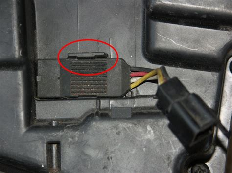 Soket Sensor Temperature Air Suzuki G15 triumph easy airbox baffle removal