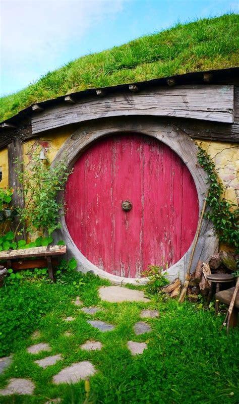 hobbit house new zealand hobbit holes pinterest new zealand hobbit hole and hobbit on pinterest