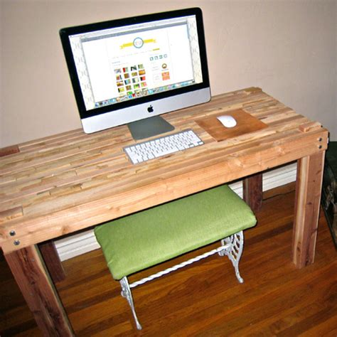 Diy Wooden Desk Diy Wooden Computer Desk Discover Woodworking Projects
