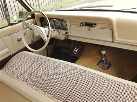 1970 jeep wagoneer interior the simple 1973 wagoneer interior i love the houndstooth
