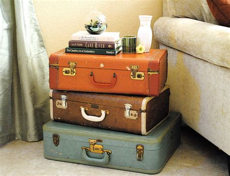 alter reisekoffer make it monday suitcase table where my resides