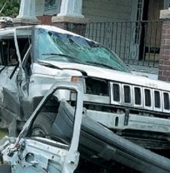 wrecked white jeep grand jeep recalls