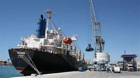 llegar un barco al puerto los grandes barcos de mercanc 237 as comienzan a llegar al
