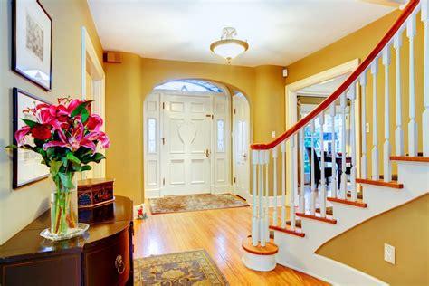 colorare una parete soggiorno come dipingere le pareti di casa non sprecare