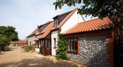 stable cottage wheelchair accessible rental in norfolk