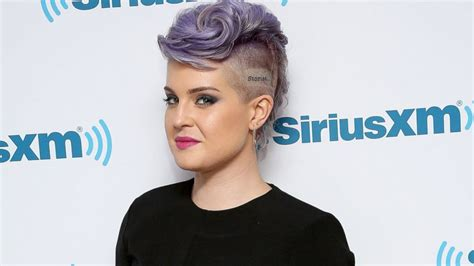 kelly osbourne why my mom hates the tattoo on my head
