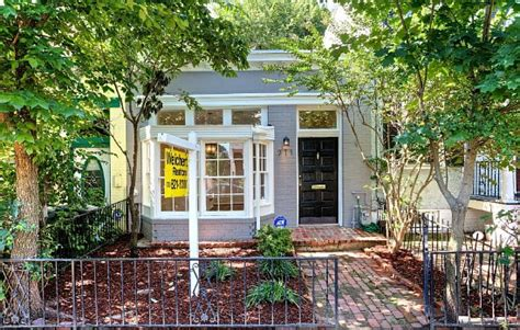 one room home under contract taylor gourmet and capitol hill s one