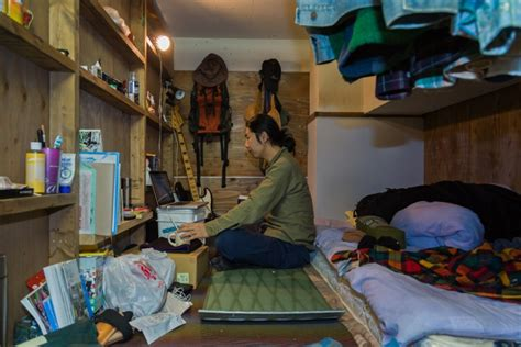 wohnung tokio photo gallery of living in tiny rooms in tokyo