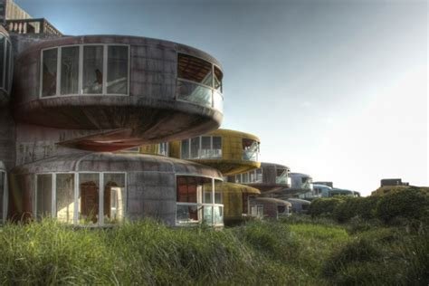 sanzhi ufo houses these ufo houses built for us soldiers in taiwan were abandoned for a spooky reason