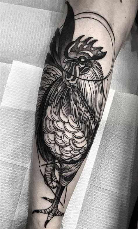 rooster tattoo best 25 rooster ideas on geometric