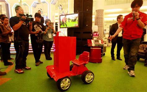 Cardigan Unik Hijau Anti Panas Dingin Bagian Belakang Dari B Zmak antare5 is techno freak robopark mengintip aksi robot perang indonesia