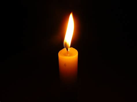 fiamma candela si 232 spenta gabri moglie senatore pollice il