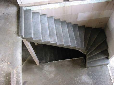 gewendelte betontreppe stuwe betontreppe treppen rohbau