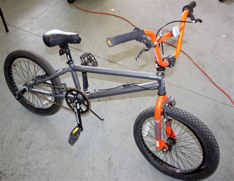 Skatebord Tonyhawk Bekas tony hawk 20 in bmx bike