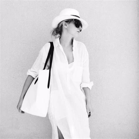 cappotti e look minimal blue is in fashion this year 12429 best minimal chic images on pinterest