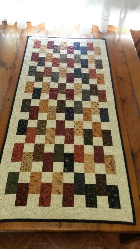 1000 ideas about patchwork table runner on