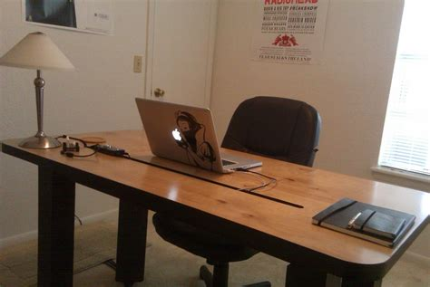 Make Your Own Office Desk The Diy Studiodesk Office Lifehacker Australia